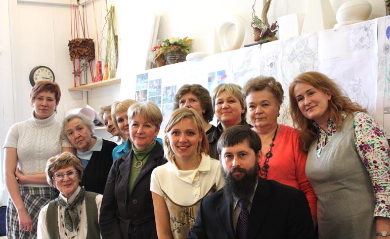 Студенты и преподаватели отделения ландшафтного дизайна в школе Центр ЭФдизайн