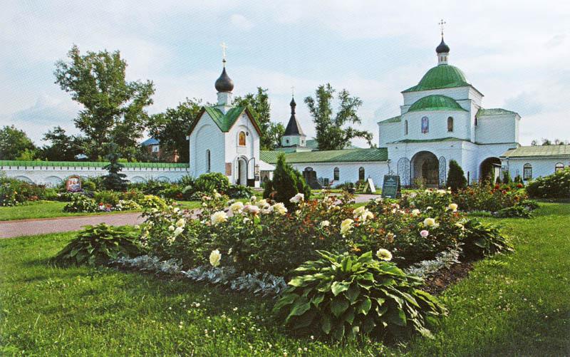 Обустроенная территория Спасо-Преображенского мужского монастыря в Муроме, Владимирской области